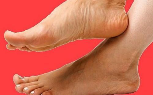 очень болят ноги пятки ног