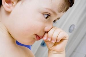 Постоянный зуд в носу и чихание: что делать, причины инфекции