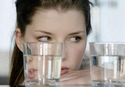 Почему еду не запивают водой